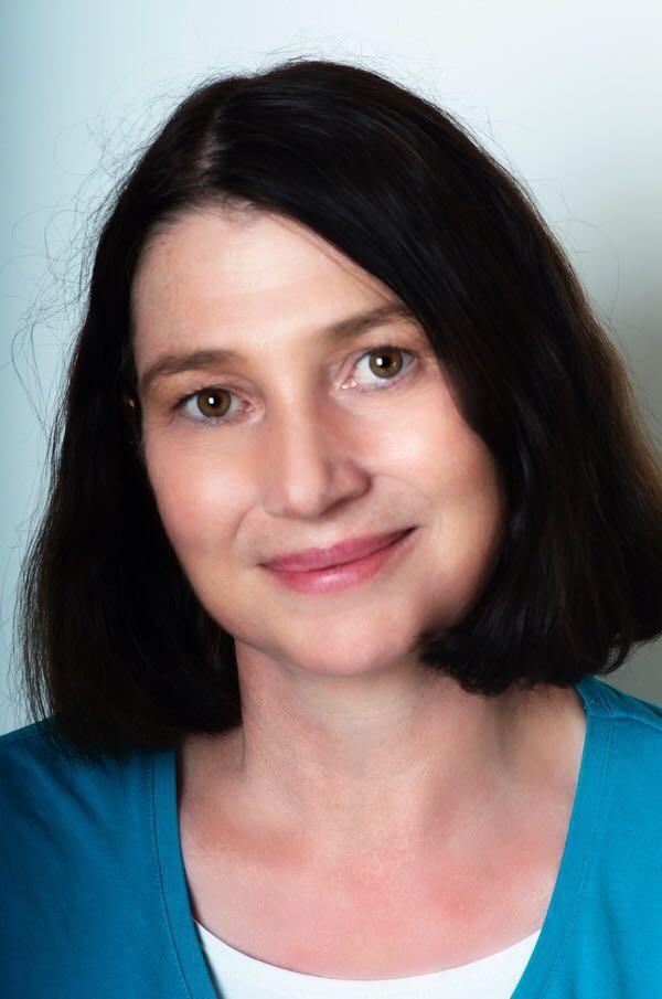 Andrea Strauß, Apothekerin