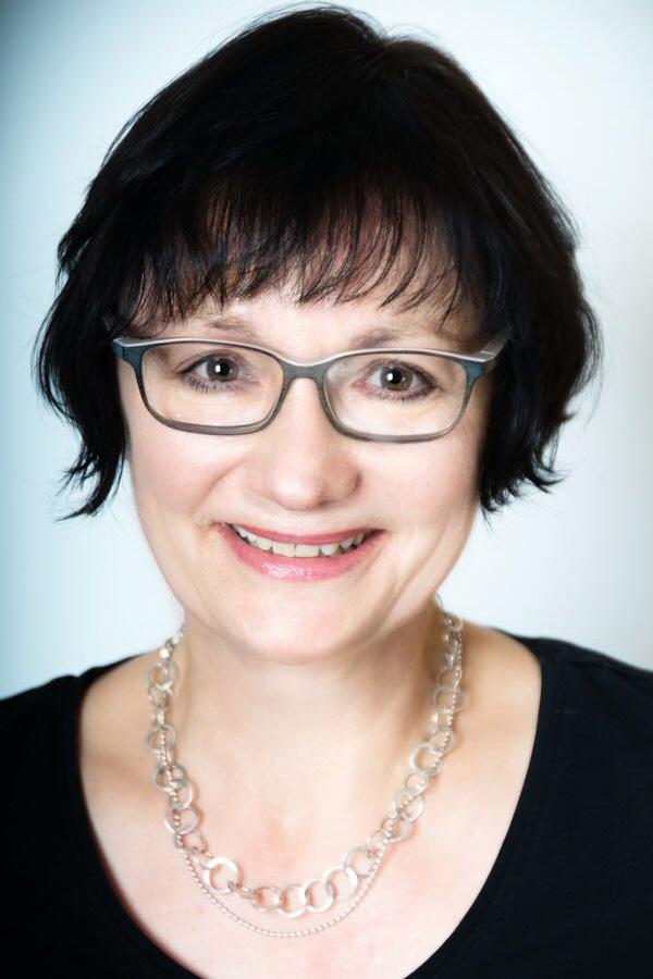 Sabine Becker, Apothekerin